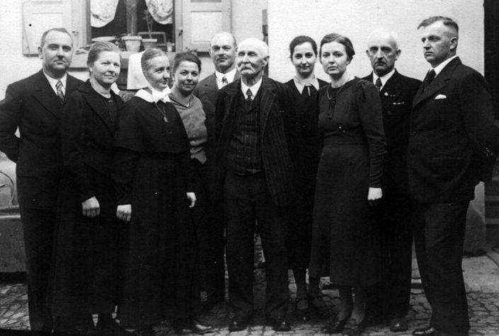 Karl Hauser mit 9 Kindern